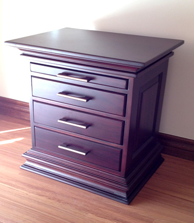 detail-3-drawer-with-pull-out-tray