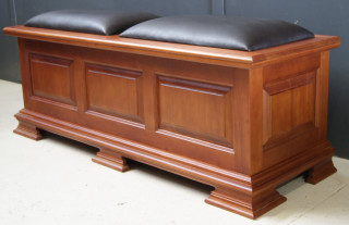 blanket-box-upholsted-2
