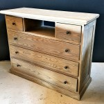 Chest with open centre shelf